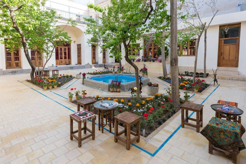 Mabibi Hostel Isfahan