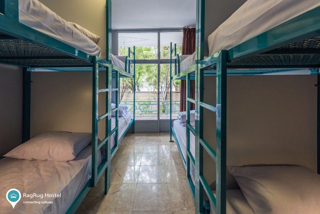 Accommodation in Isfahan - Ragrug hostel dormitory
